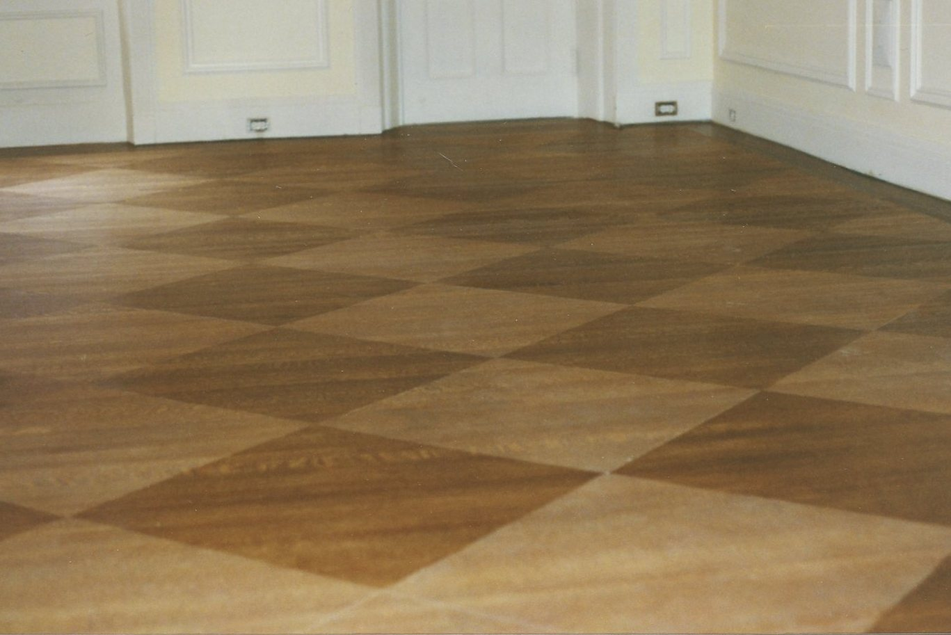 Your wood floors can have that unique look with pattern staining ...